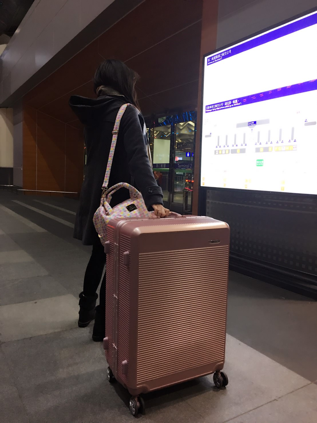 『特惠團』行李箱也要兼具時尚的美麗-百貨品ELLE 花苑盛典系列