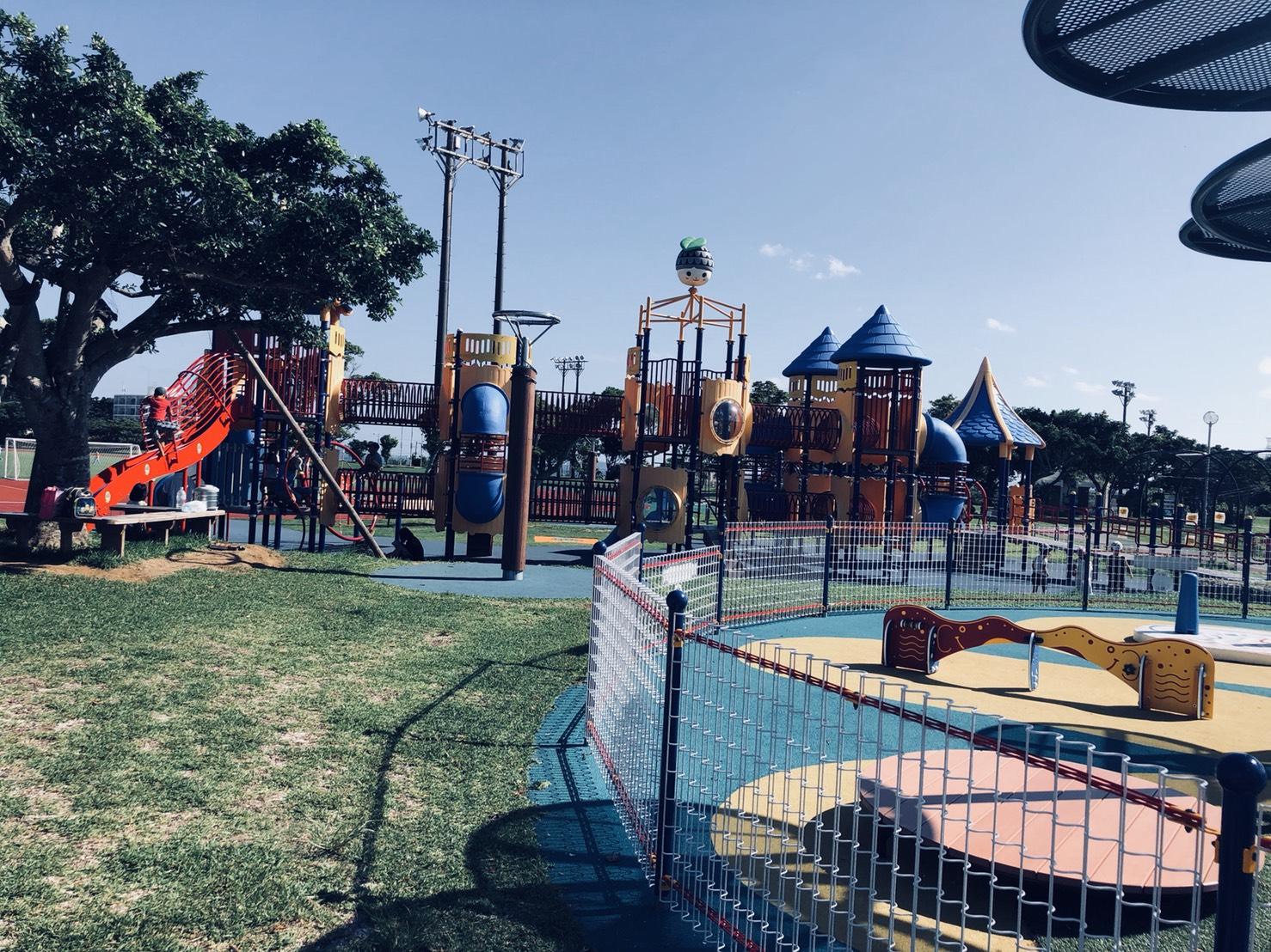 『沖繩』沖繩中部私密親子點,遊具豐富又好玩-金武地區公園