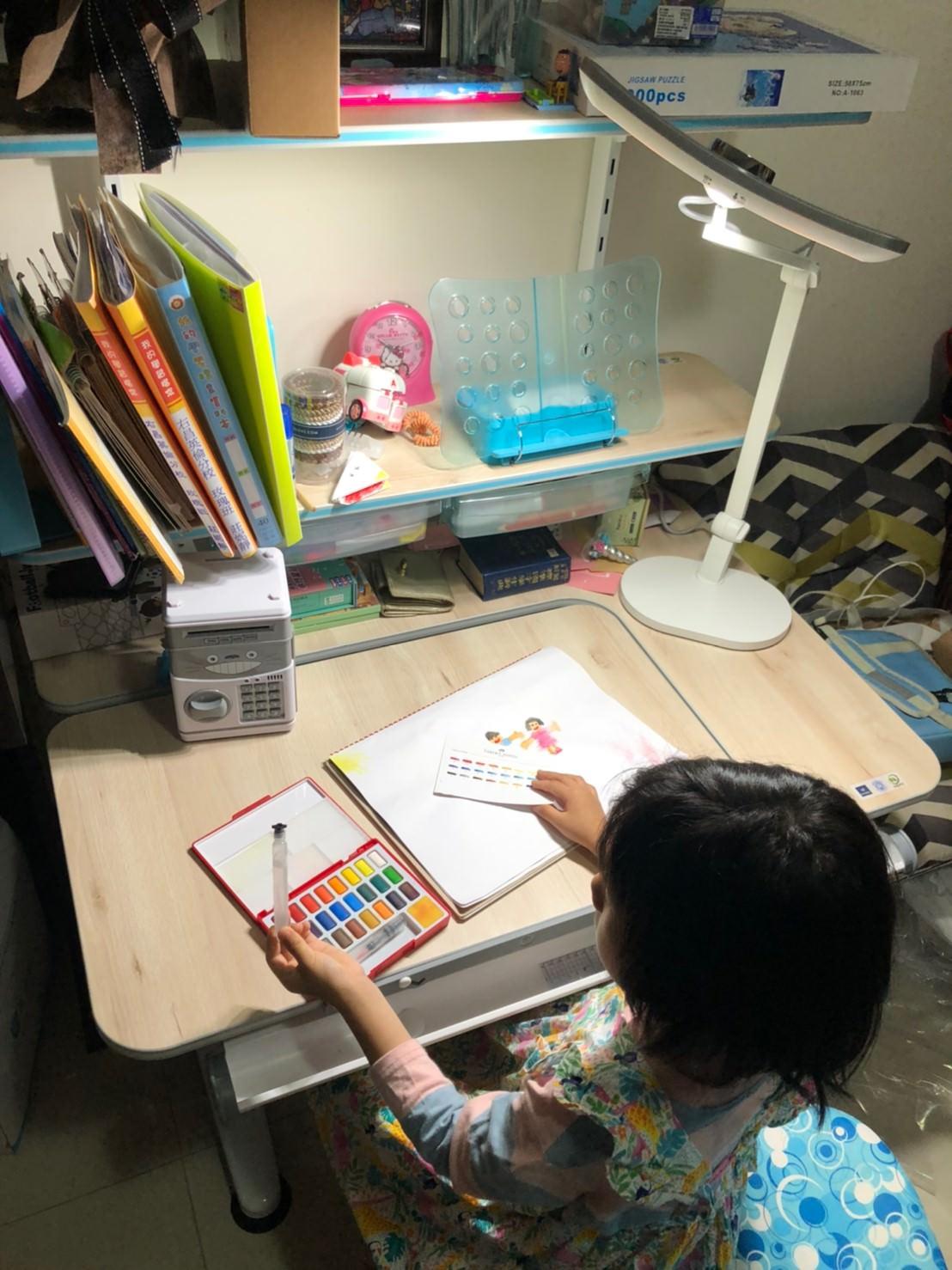 孩子就學的重要配備,BenQ WiT MindDuo親子共讀護眼檯燈