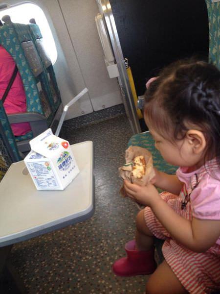 『育兒分享』隻身帶孩子坐長時間交通工具經驗分享
