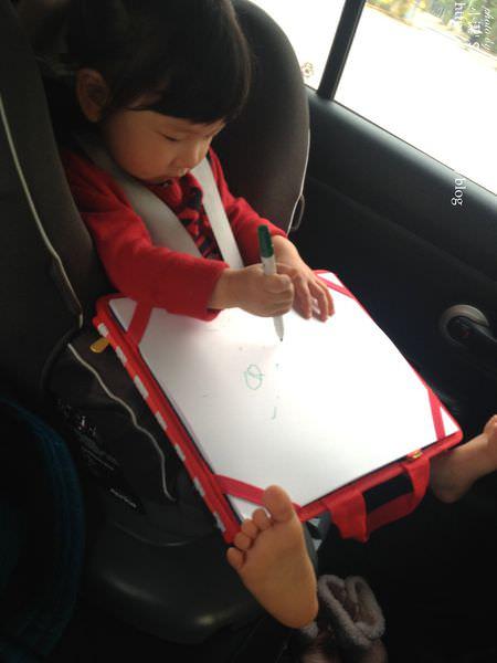 『妮物』外出、車上的最佳安撫法寶-ALEX旅行畫板